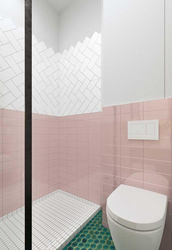 Quer fazer uma decoração diferente no seu banheiro? Use cores diferentes para uma mesma parede.