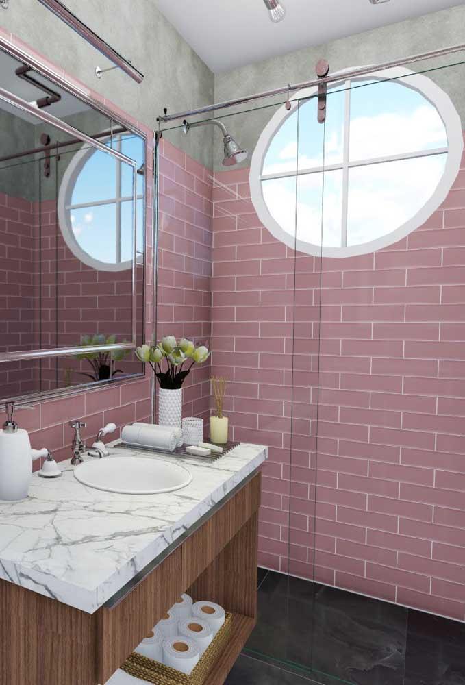 A escolha certa do material que será usado na parede do box é fundamental na hora de fazer a decoração do banheiro.