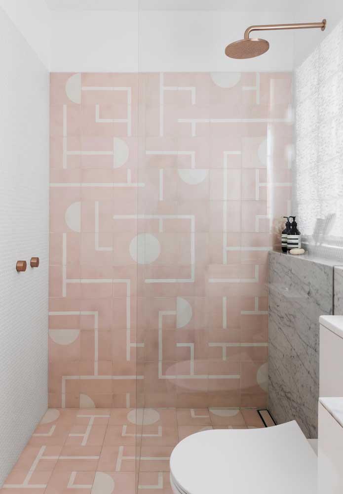 O tom rosé é um dos mais pedidos na hora de fazer a decoração do banheiro.