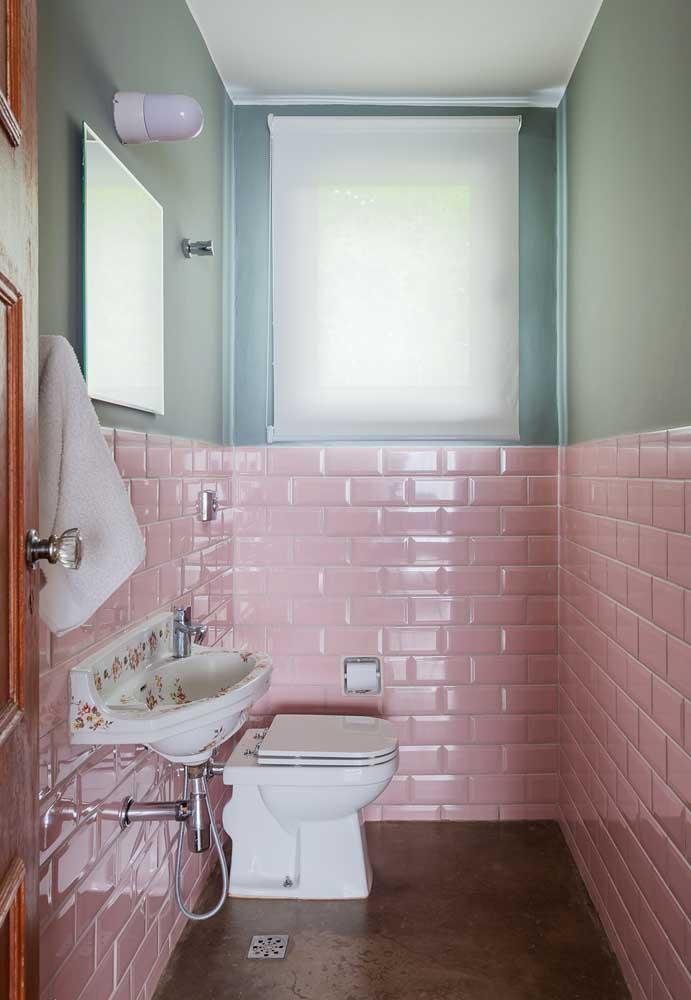 O cimento queimado é uma tendência de decoração e você pode perfeitamente combiná-lo com a cor rosa.
