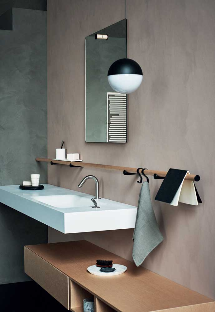 Pode parecer, mas nada é aleatório nesse banheiro; repare como tudo se harmoniza