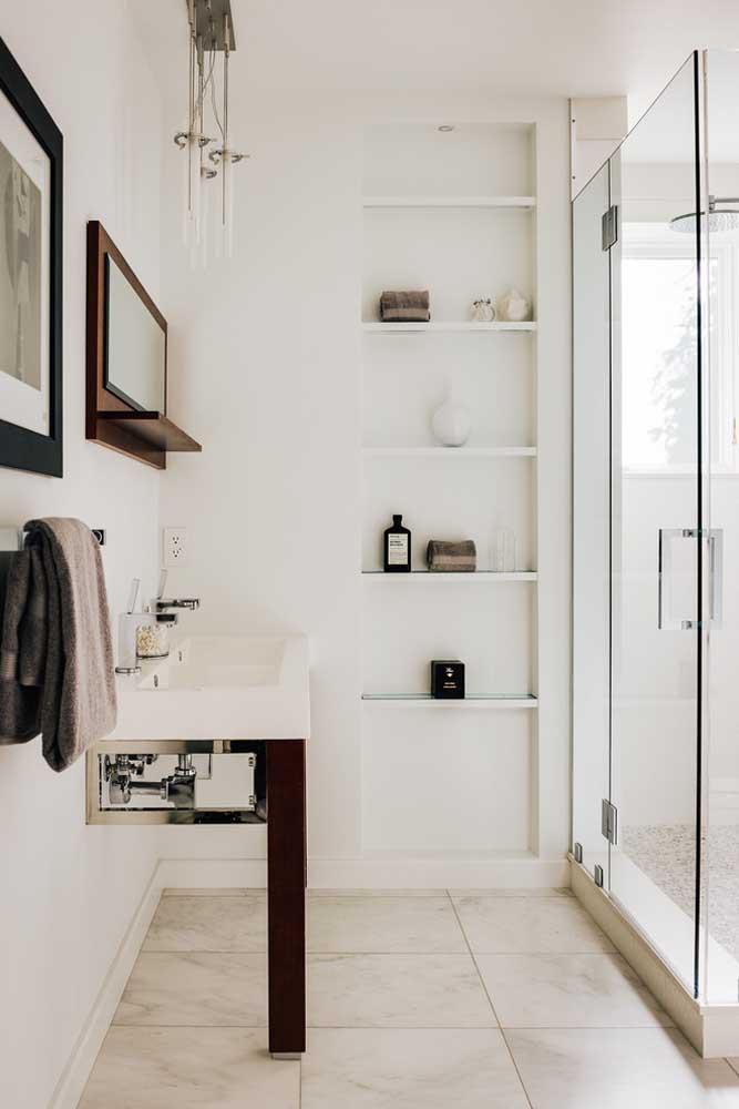 Nichos embutidos para o banheiro planejado: na dúvida, aposte neles