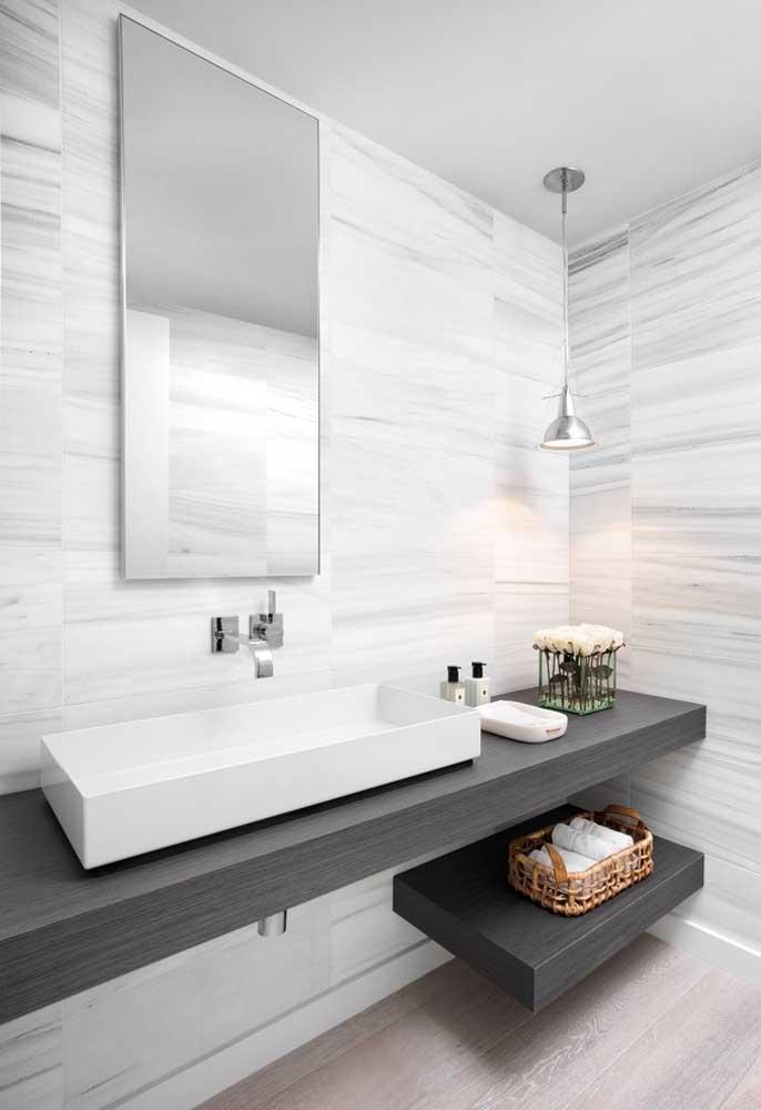 Tons de cinza para o banheiro planejado
