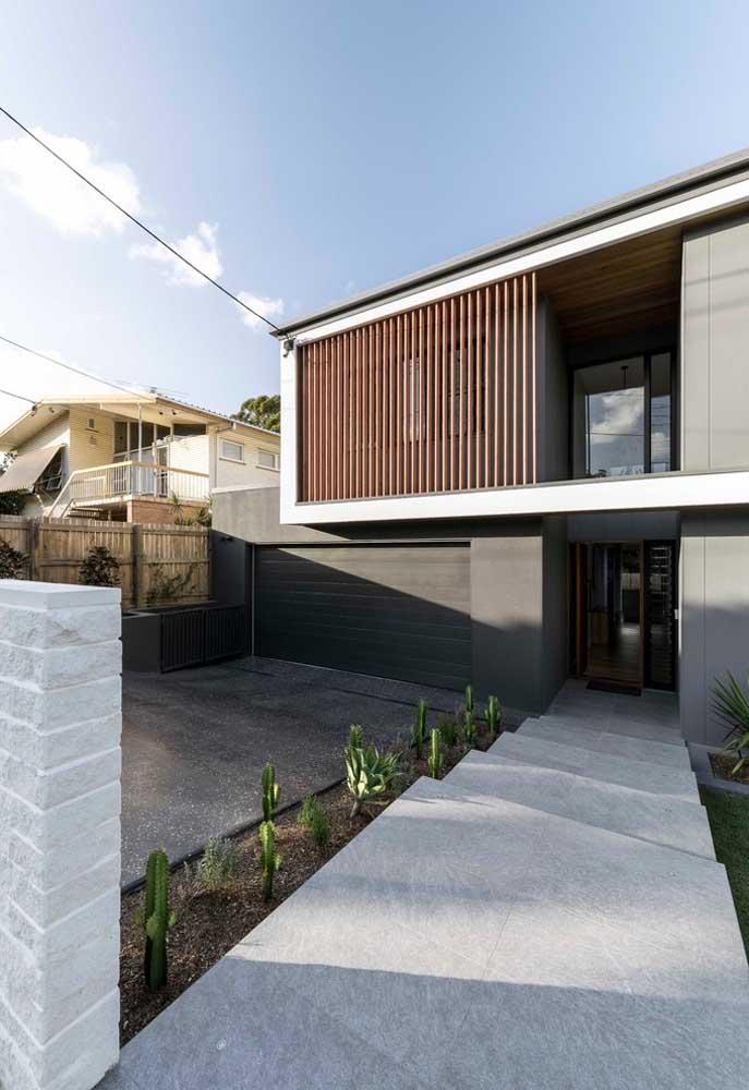 Projeto de casa grande moderna, mas ao mesmo tempo simples