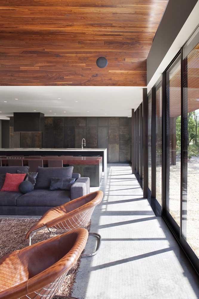 Luz natural e casa grande: uma combinação perfeita