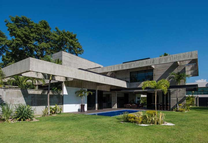 O lado bom do concreto aparente é que mesmo depois de anos ele se mantem bonito, apesar das marcas do tempo
