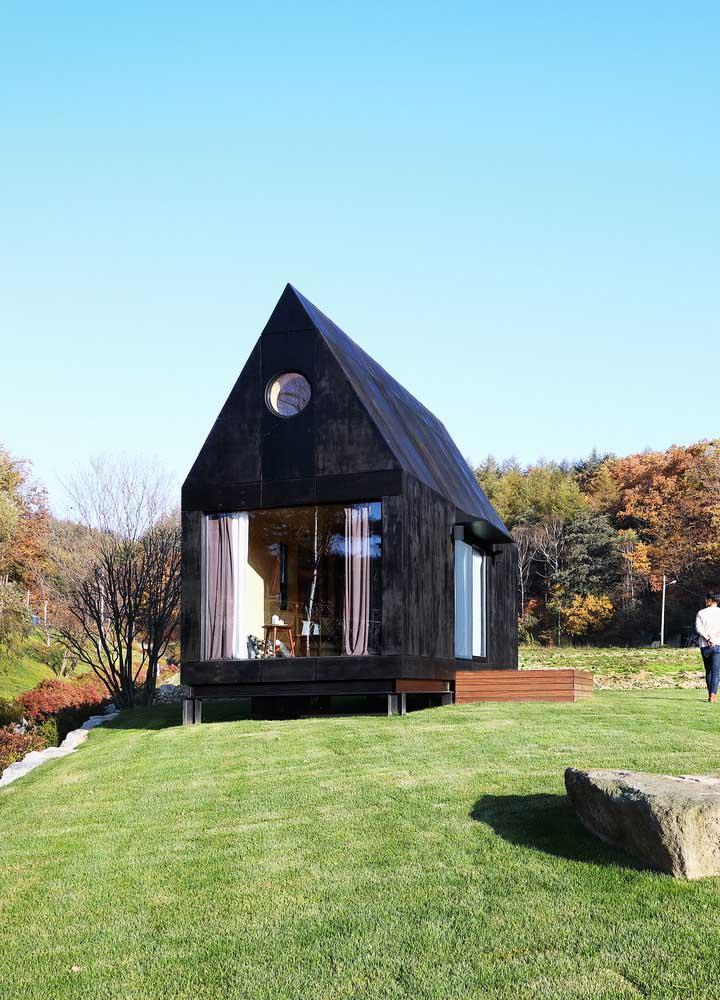 Casa pequena em estilo chalé para curtir melhor a vida na montanha