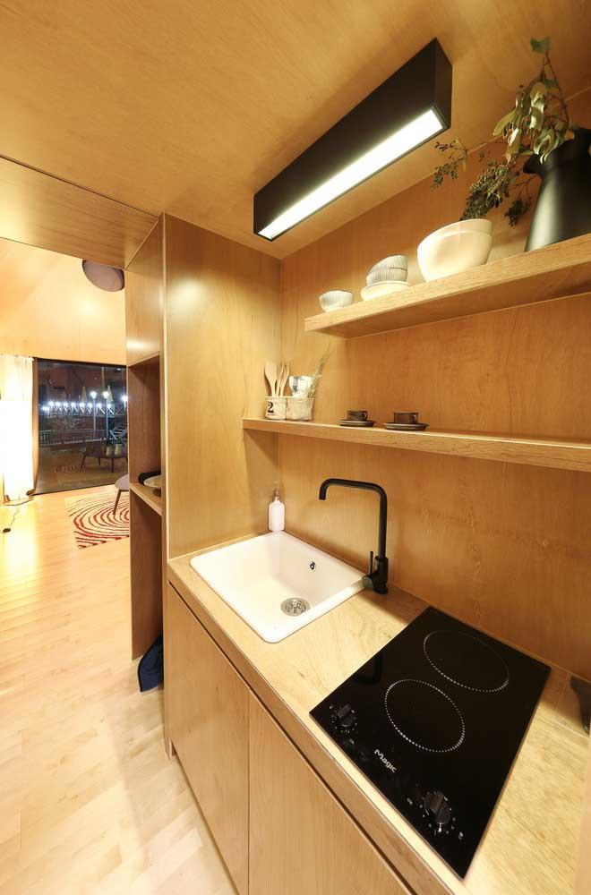 Cuide da organização da casa pequena, sobretudo de ambientes como a cozinha, onde qualquer bagunça já se torna um caos