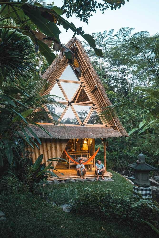 Casa pequena, ecológica e sustentável: dá ou não dá para viver num cantinho assim para o resto da vida?