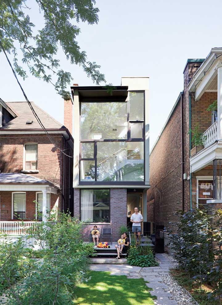 Já para quem prefere viver na cidade, o jeito é conciliar a construção da casa em meio as casas vizinhas