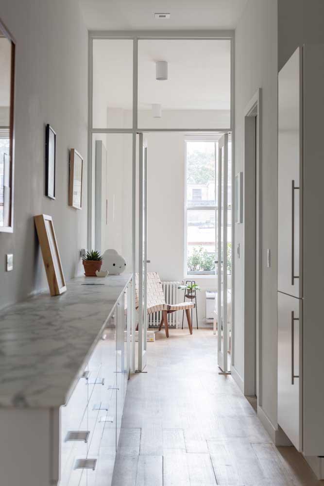Cores claras para valorizar o projeto da casa pequena