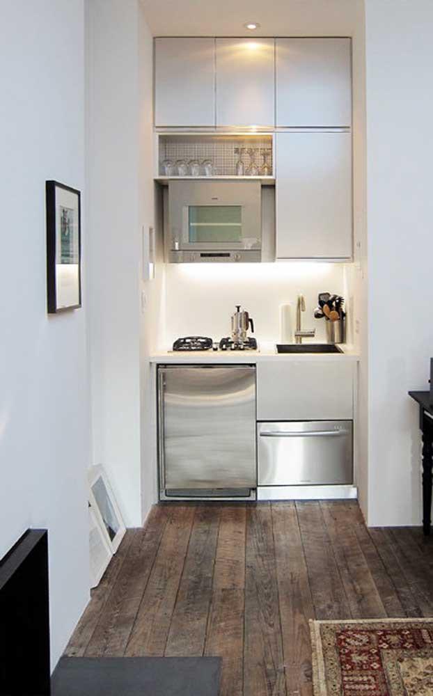 Cozinha pequena, simples, funcional e, claro, bonita também