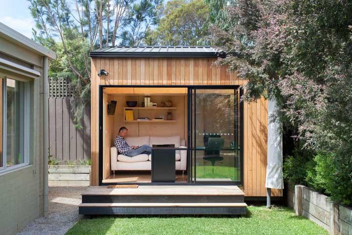 Leve o home office para o quintal, como? Construa uma edícula simples e aconchegante