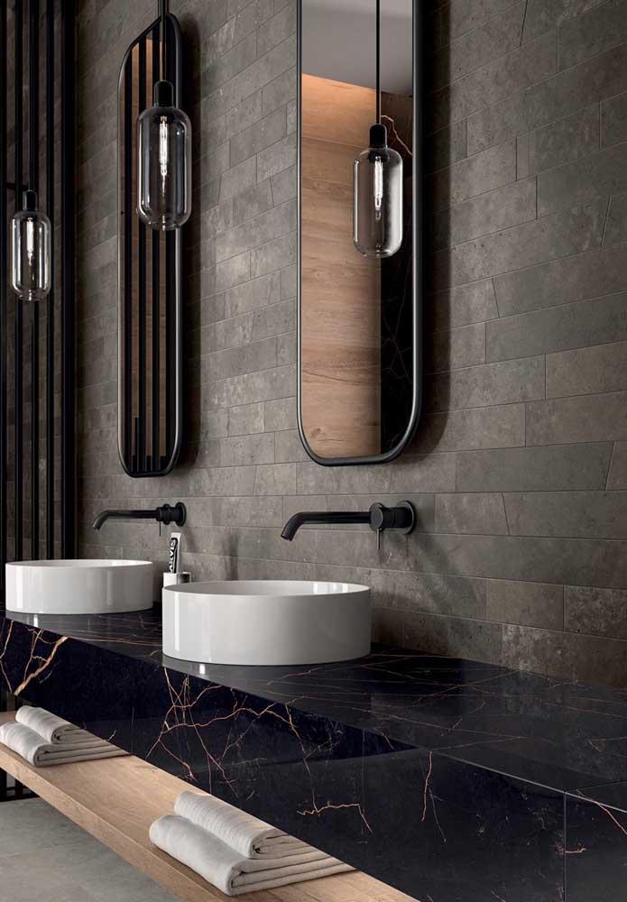 Explore texturas e cores com as cerâmicas para banheiro
