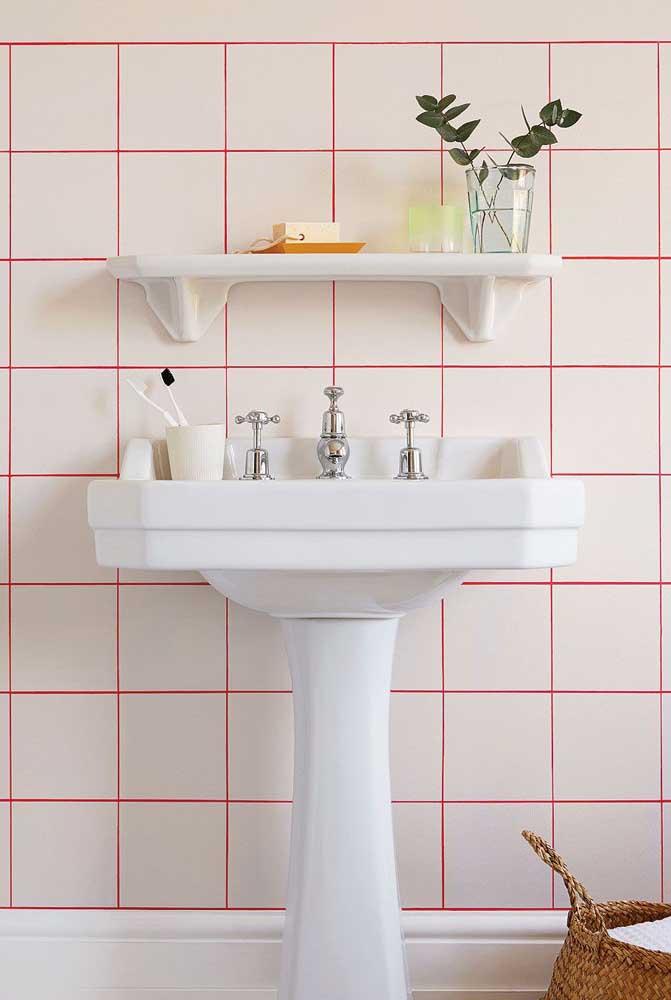Cansou da cerâmica toda branca do banheiro? Pinte o rejunte!