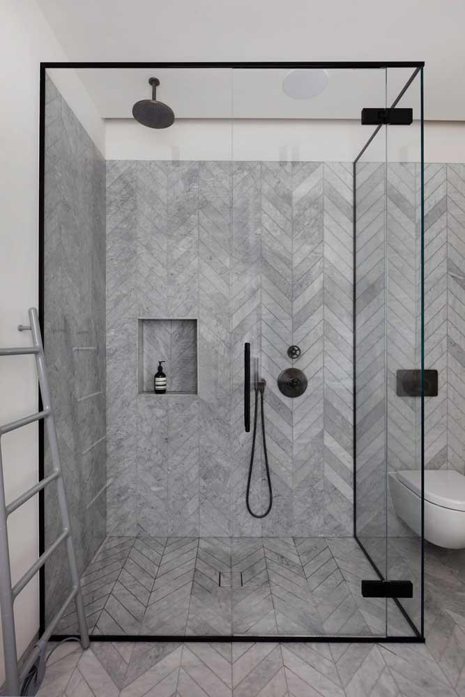Busque formas diferenciadas para instalação dos pisos cerâmicos, como nessa imagem