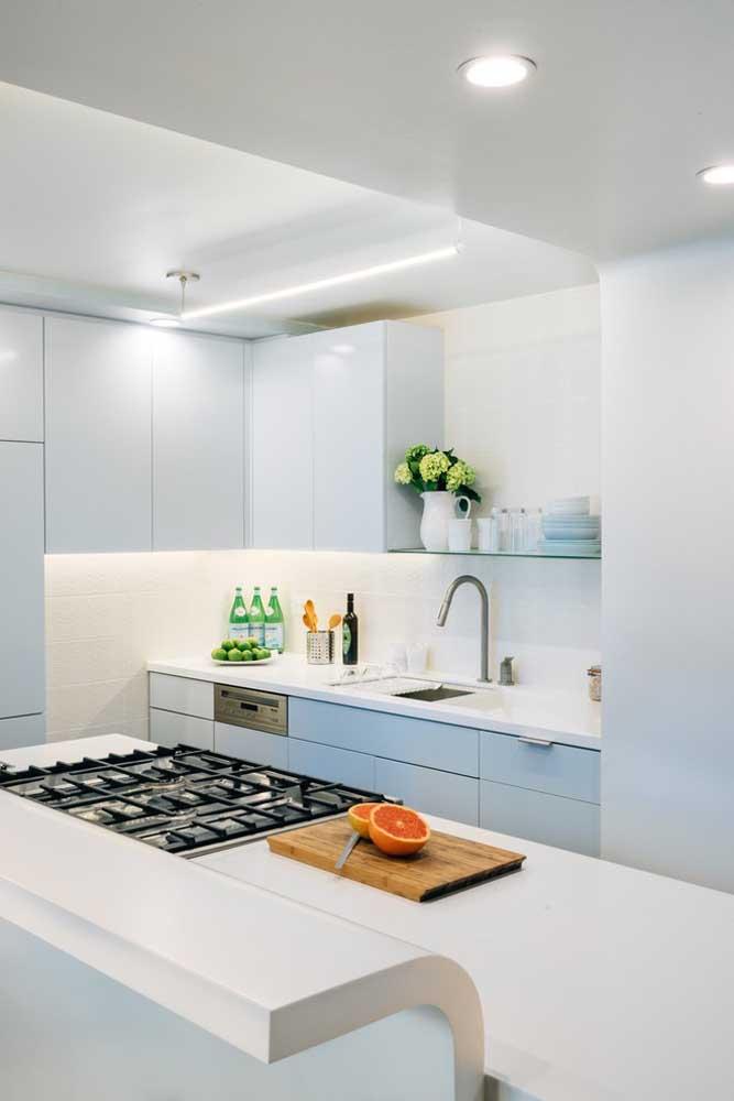 E se a cozinha não tiver janelas, dê uma atenção ainda maior para o projeto de iluminação