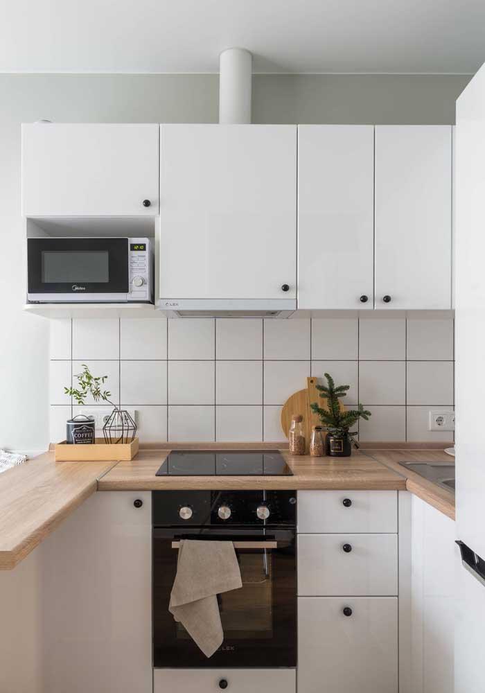 Um charme de cozinha americana: pequena, simples e aconchegante