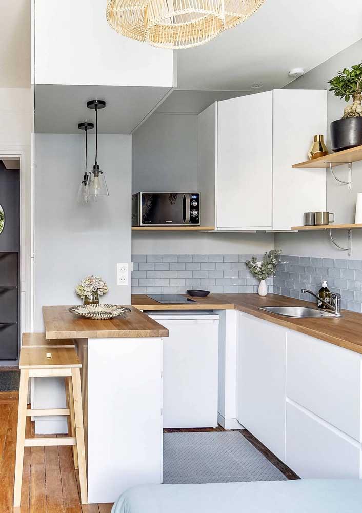 Cozinha americana de apartamento: não dispense o balcão para ganhar mais espaço