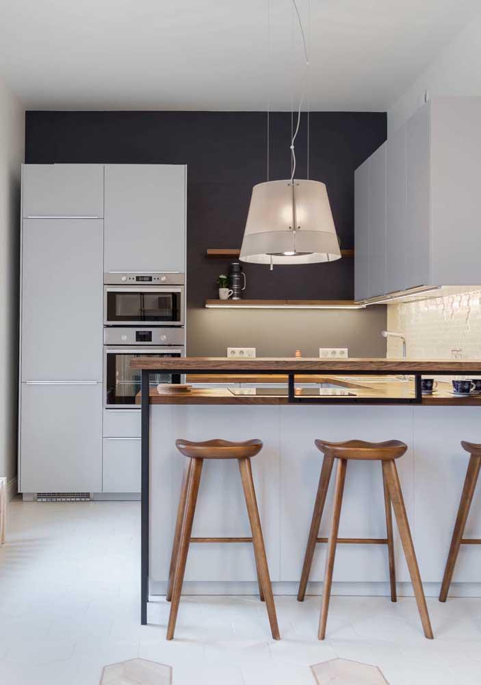 Cozinha americana simples com móveis modulados: eles são possíveis quando se encaixam adequadamente ao espaço