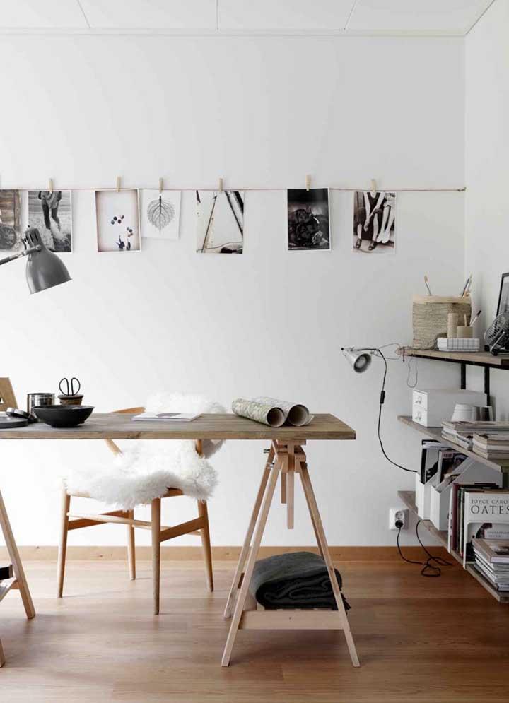 Varal de fotos para decorar o home office: ideia simples e barata