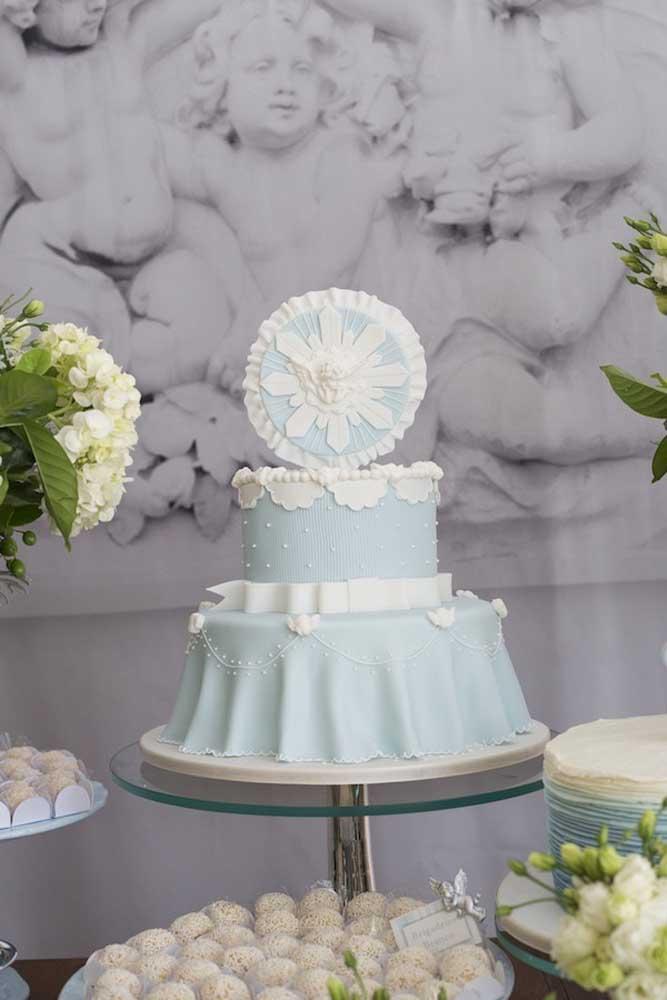 O azul e o branco foram as cores escolhidas para a decoração desse batizado