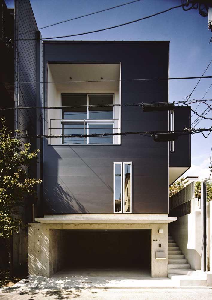 A cor preta garante modernidade e elegância à fachada, das mais simples às mais luxuosas