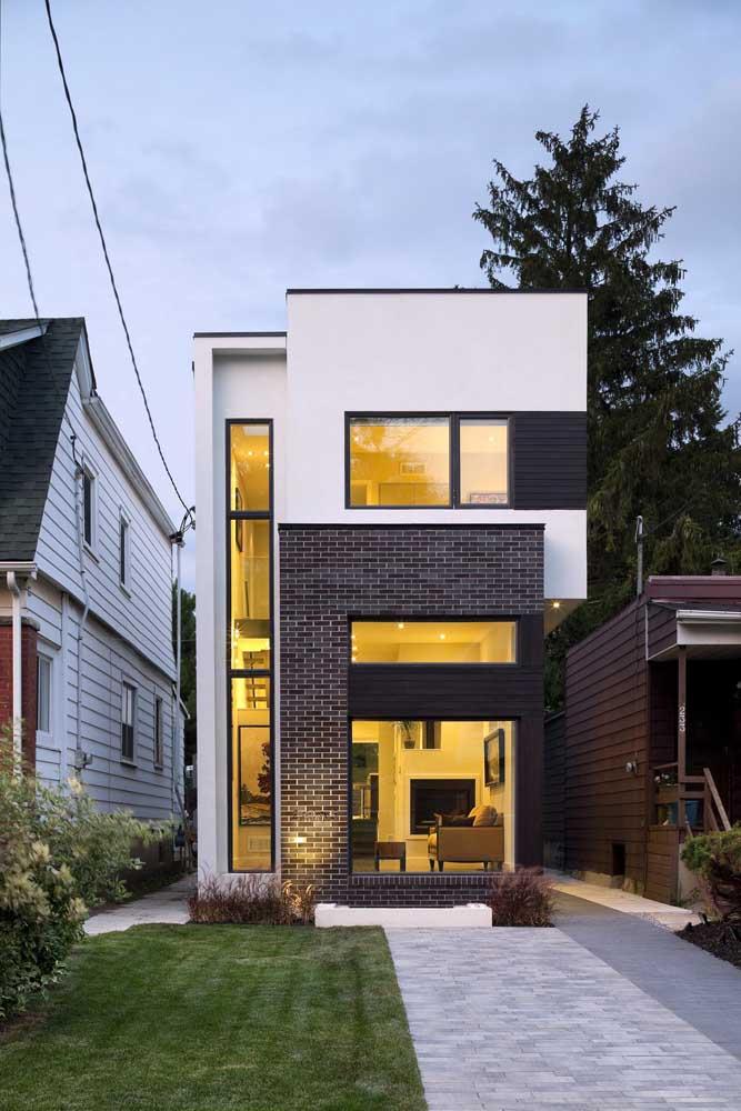 A iluminação faz toda diferença para o resultado final da fachada da casa