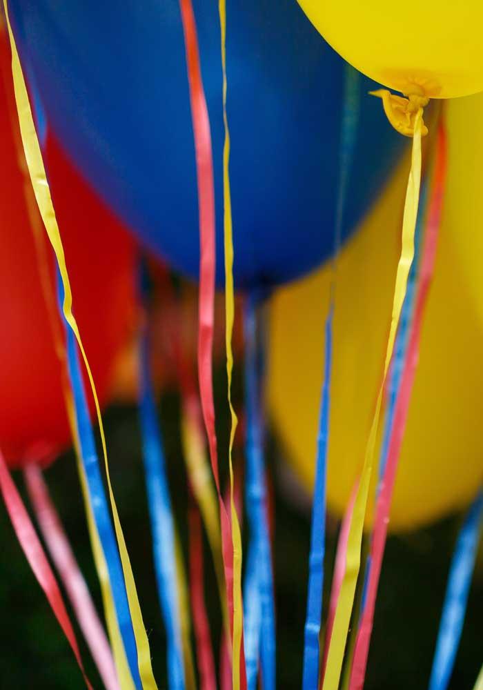 Prepare toda a decoração da festa levando em consideração as cores principais do tema patrulha canina.