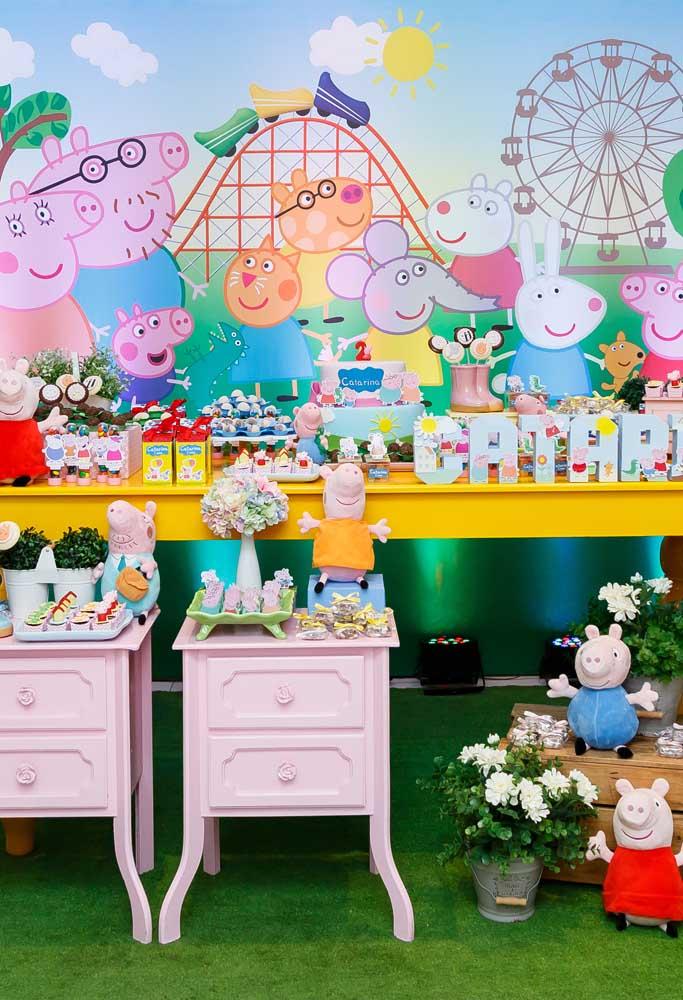 Que tal fazer uma festa bem colorida com o tema Peppa Pig?
