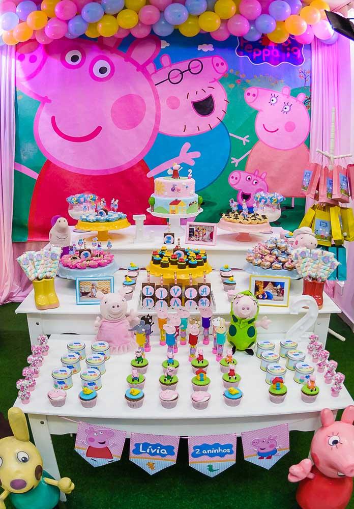 Uma mesa bem organizada chama muito mais atenção na festa de aniversário.