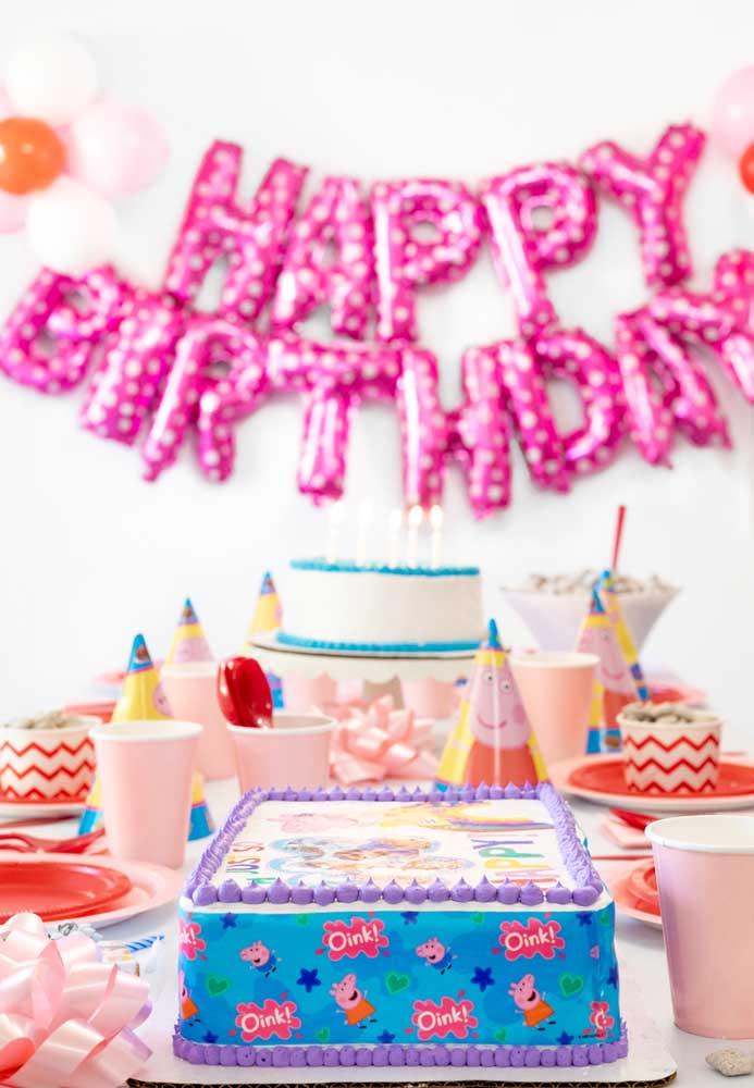 A porquinha mais conhecida do mundo é perfeita para ser o tema de aniversário.