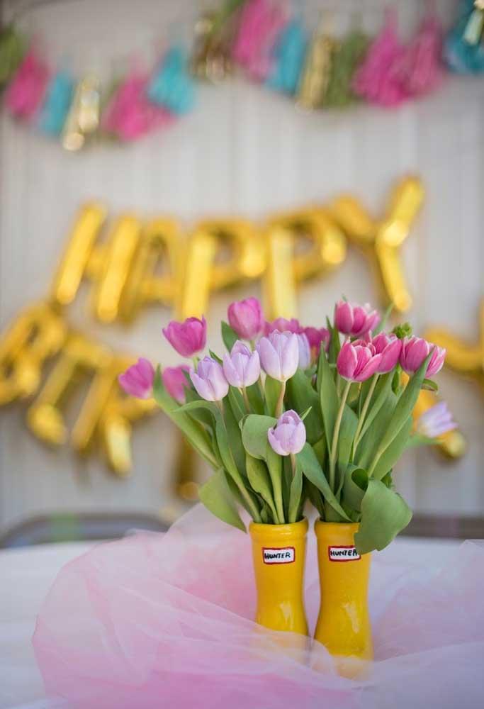 Muitas flores para decorar o ambiente.