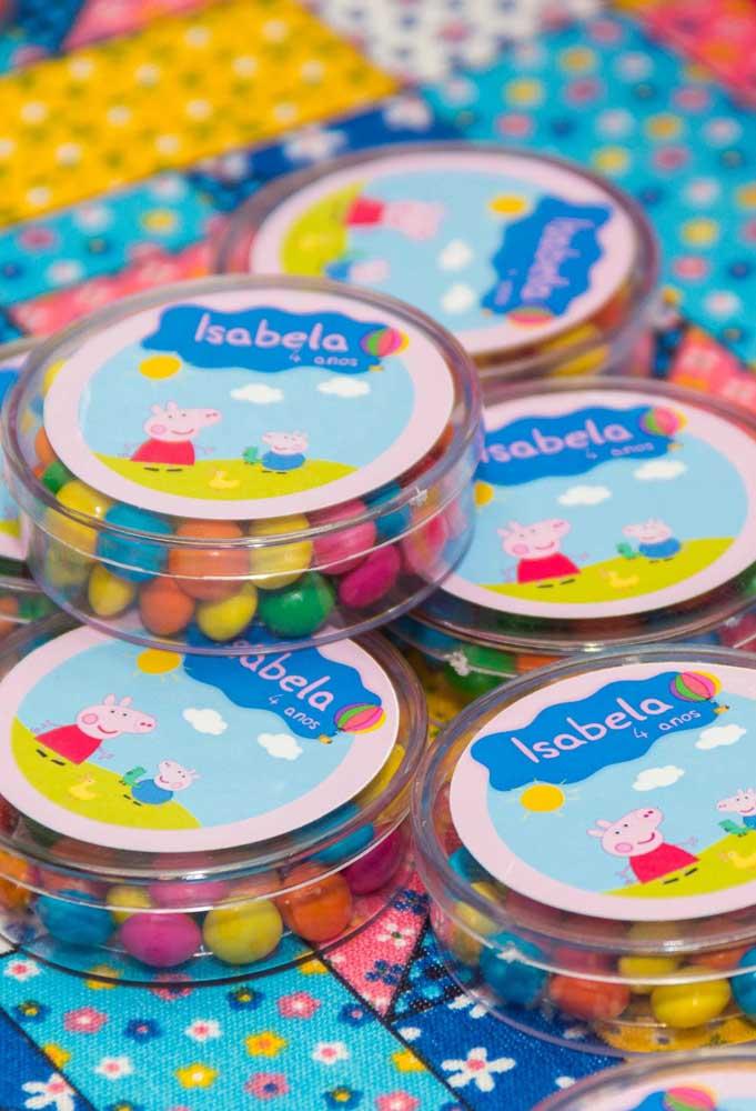 Personalize as embalagens das guloseimas para deixar a festa ainda mais bonita.
