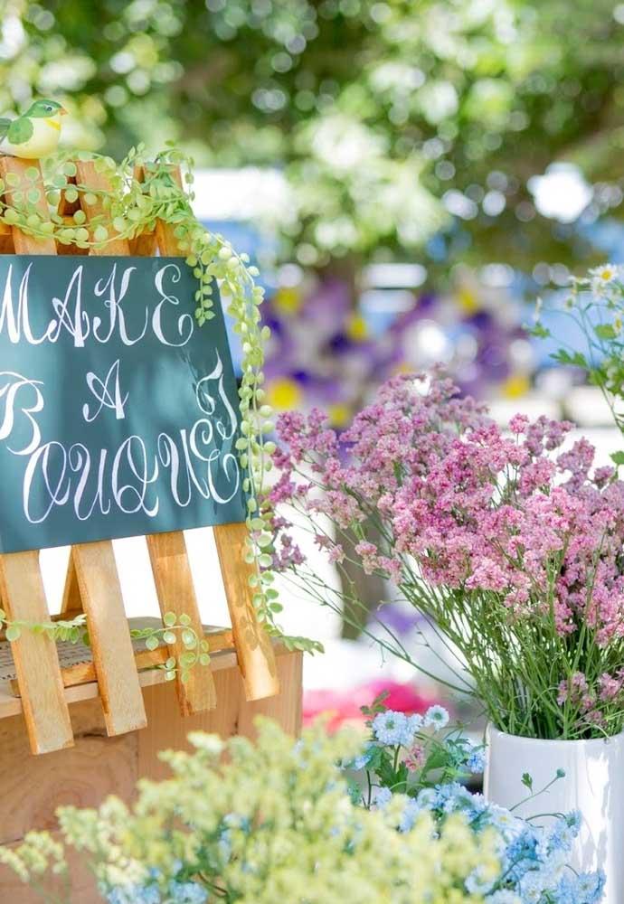 Flores são sempre usadas em decoração, não seria diferente em um ambiente ao ar livre.