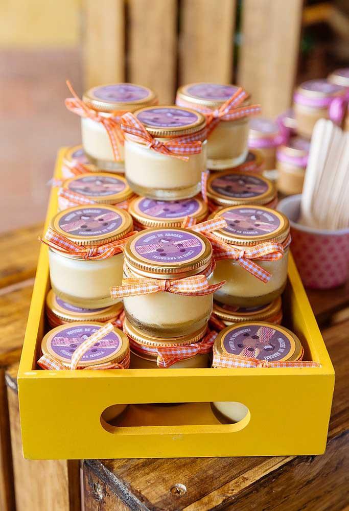 Que tal servir doces ou sobremesas em potes?