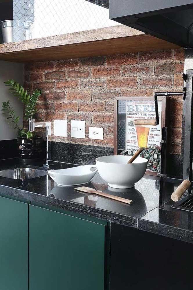 Granito preto São Gabriel para a bancada da cozinha: uma opção resistente, durável, linda e mais econômica do que outros tipos de granito