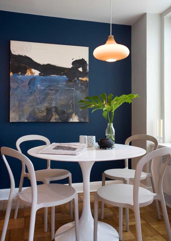 Conjunto de mesa redonda com quatro cadeiras
