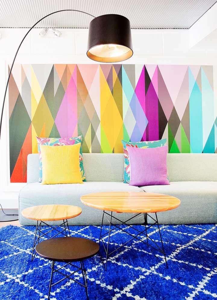Um painel super colorido para inundar a sala de luz