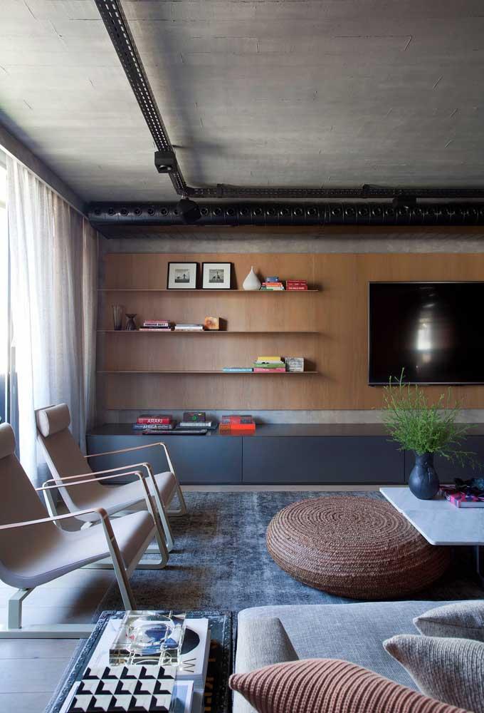Tente colocar na sua sala planejada apenas objetos funcionais, especialmente se ela for pequena