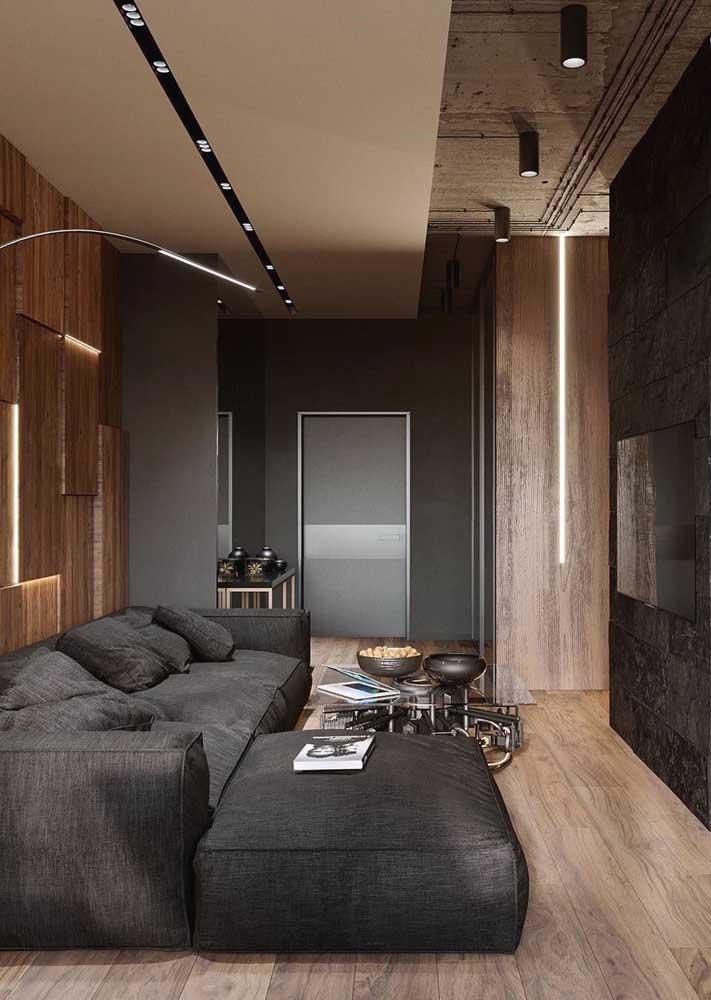 Sala planejada para TV precisa de um sofá confortável e aconchegante