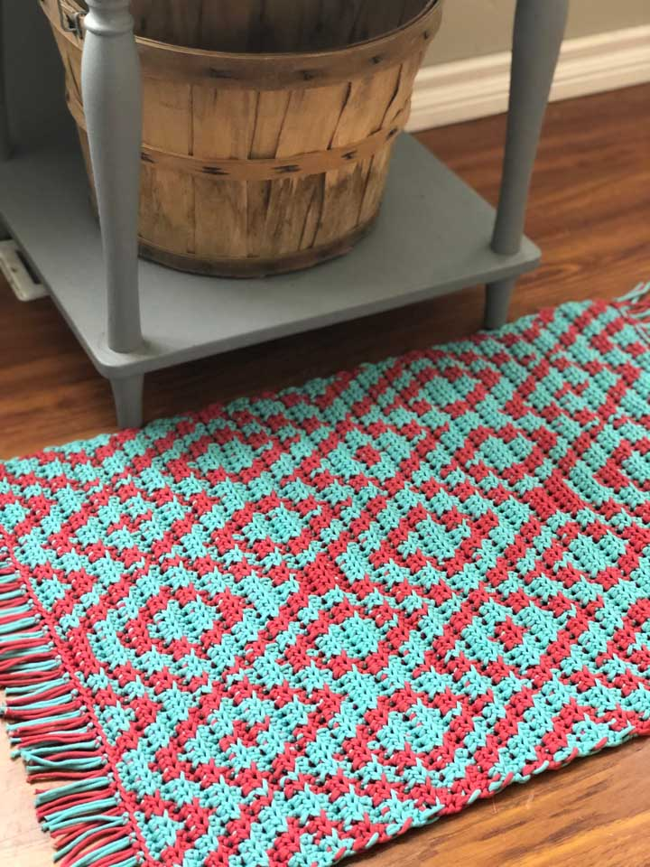 Que tal apostar nos desenhos geométricos na hora de escolher o tapete para sua cozinha?