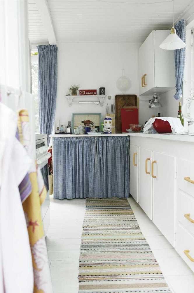 Para uma cozinha mais compacta ou que possui mais comprimento que largura, o modelo de tapete mais comprido é perfeito.