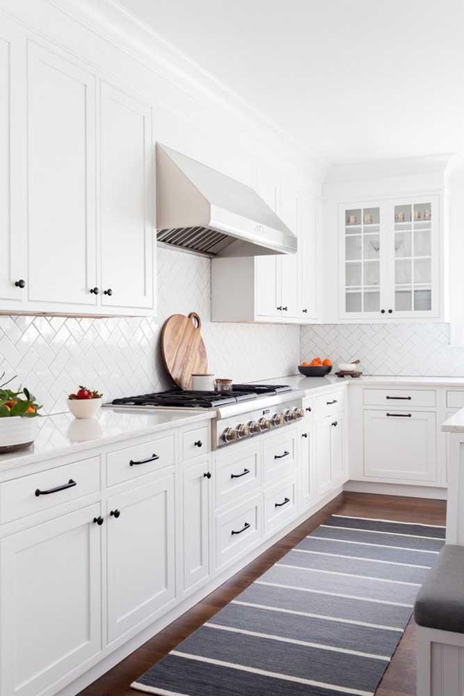 Saber escolher os elementos decorativos certos faz toda a diferença na decoração da cozinha.