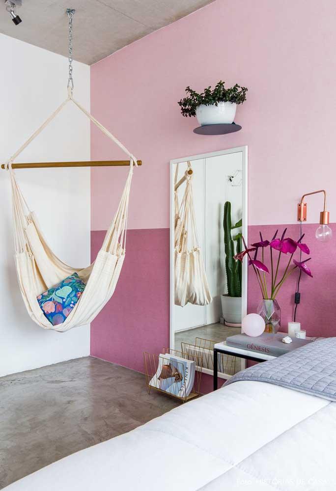 use dois tons de rosa para pintar o quarto.