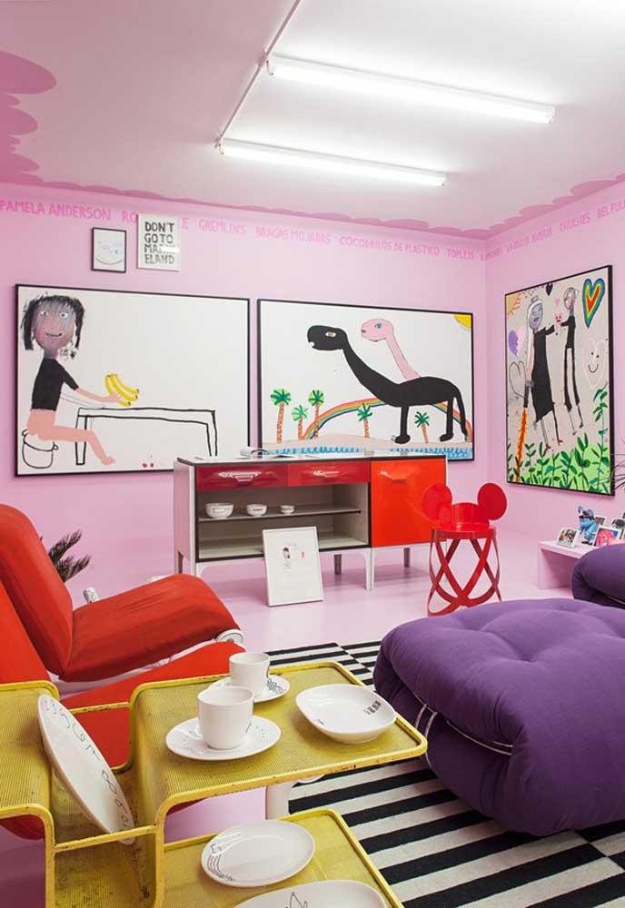 Você pode usar cores diferentes na hora de decorar um ambiente, principalmente, se você quer ter um espaço mais divertido.