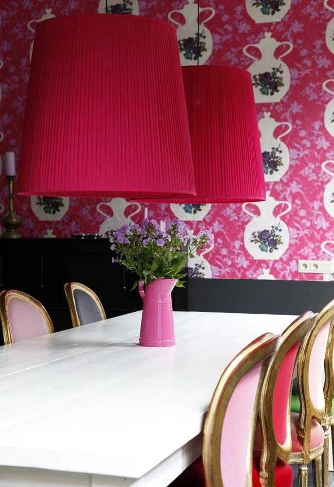 Outra bela estampa de papel de parede, mas essa é perfeita para sala de jantar ou cozinha.
