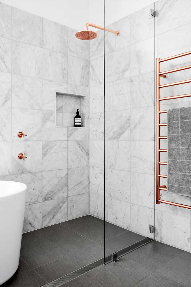 Azulejo de banheiro com desenho em mármore, perfeito para banheiros modernos e clássicos