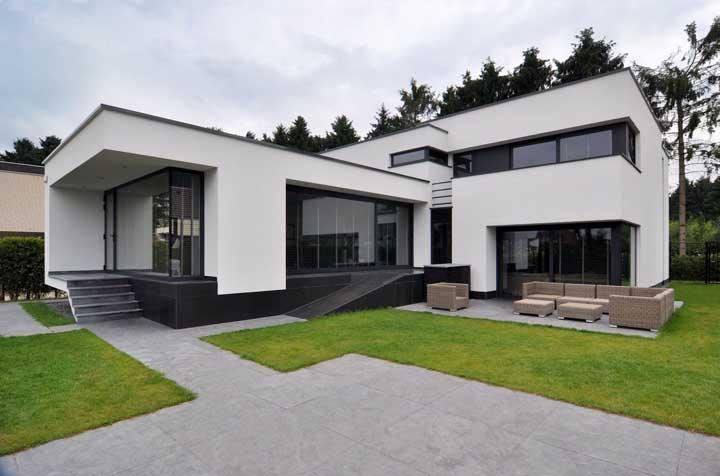 Casas em l 60 modelos fotos e inspira es para ver fotos for Casa moderna l