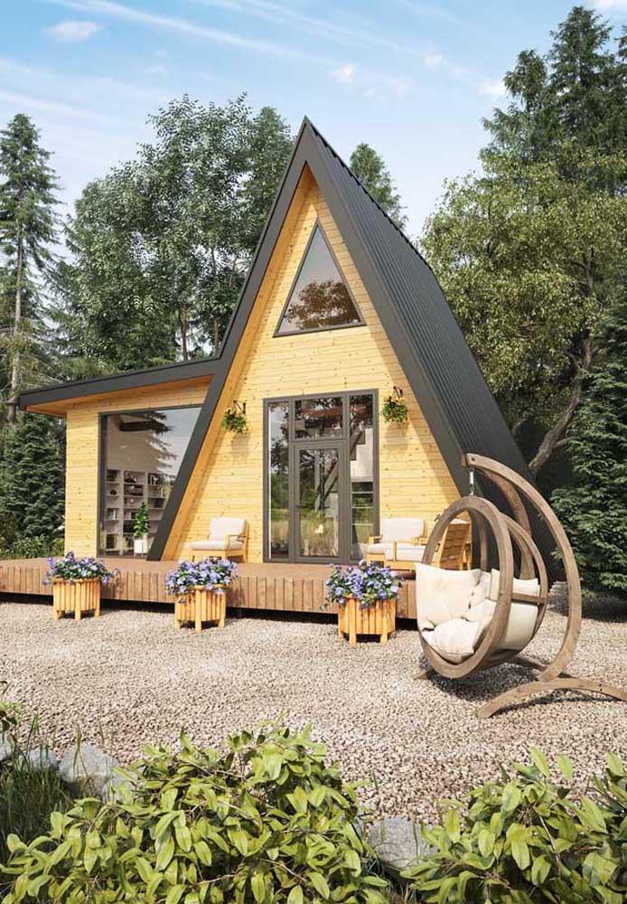 Casa planejada estilo chalé; ideal para locais serranos em volta da natureza